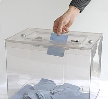 Présidentielle: Sarkozy serait battu par Aubry et écrasé par DSK