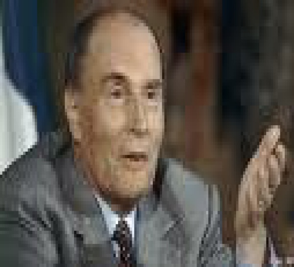 Sarkozy, Mitterrand et la retraite à 60 ans